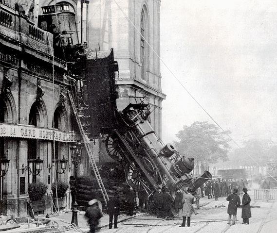 569px-Train_wreck_at_Montparnasse_1895_2
