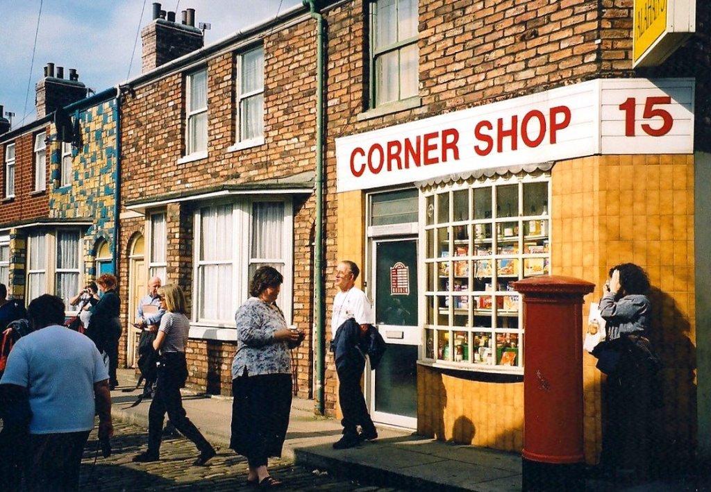 Corrie fans on the Manchester studio set, Sept. 2000